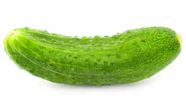 Cucumber appetizer white background 78207 3840x2400 featured