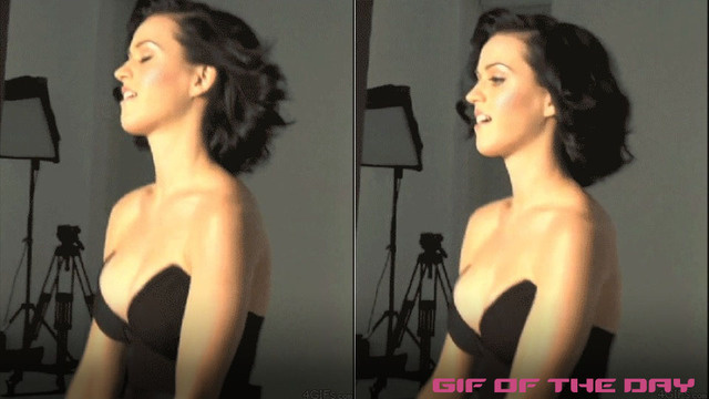 The Endlessly Bouncy Boobs Of Katy Perry