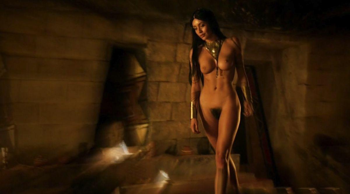 Dilan gwyn nude