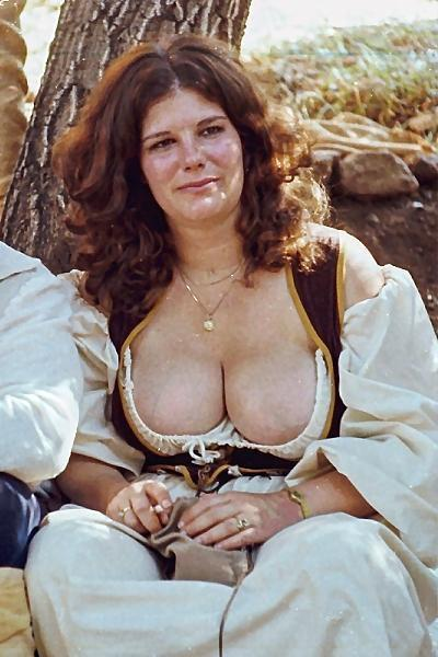 girls wench and breast