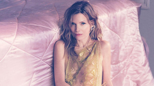 Michelle pfeiffer 5 c8a50287 featured