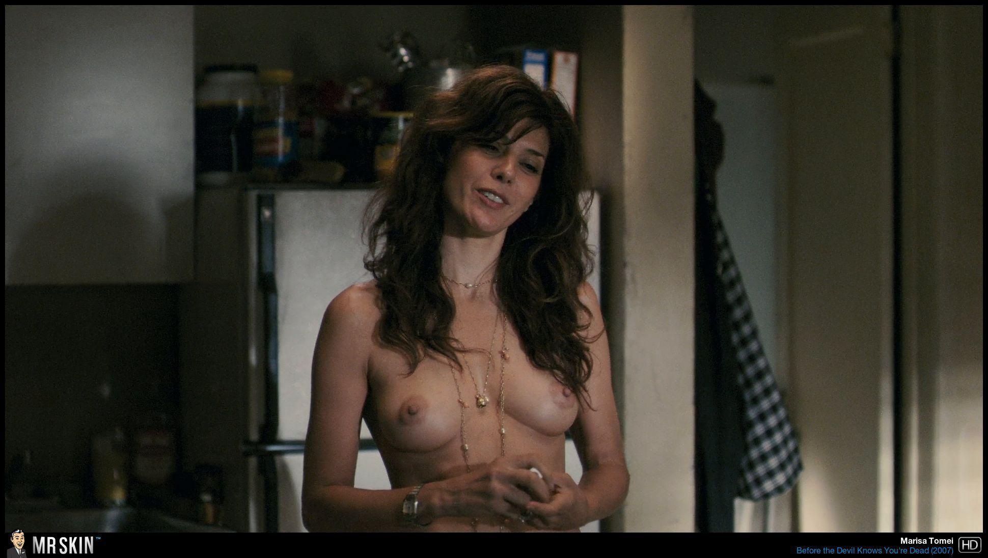 Nude allison janney Allison Janney