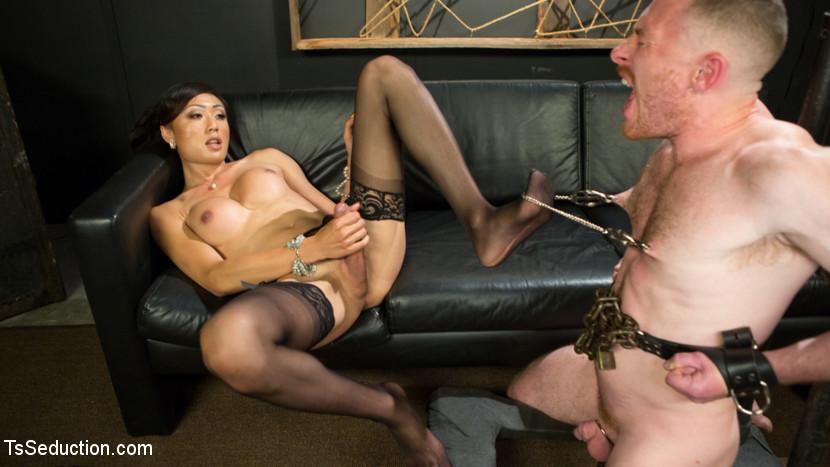 Guy Eating Fucking Pussy