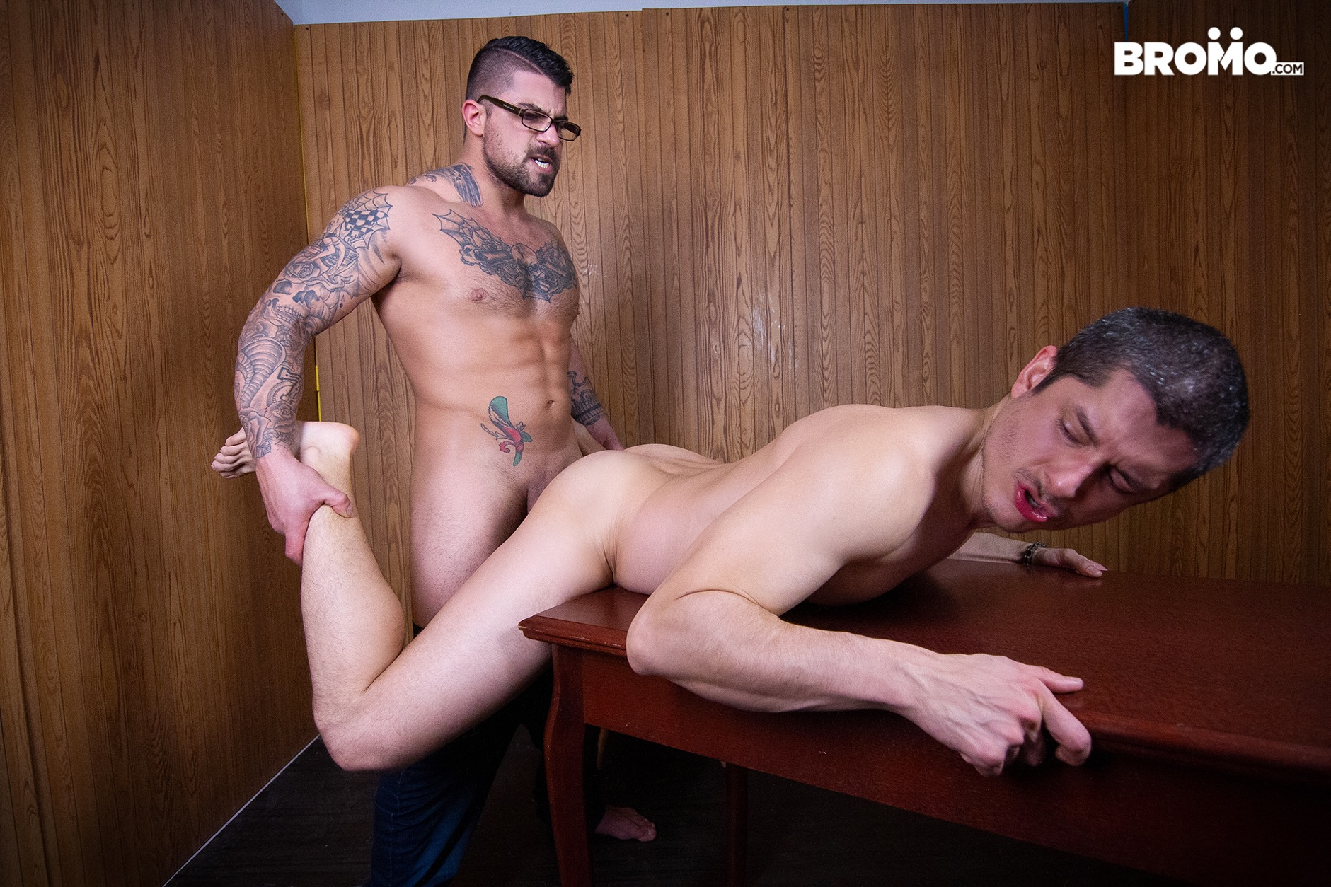 gay bareback sex at Bromo