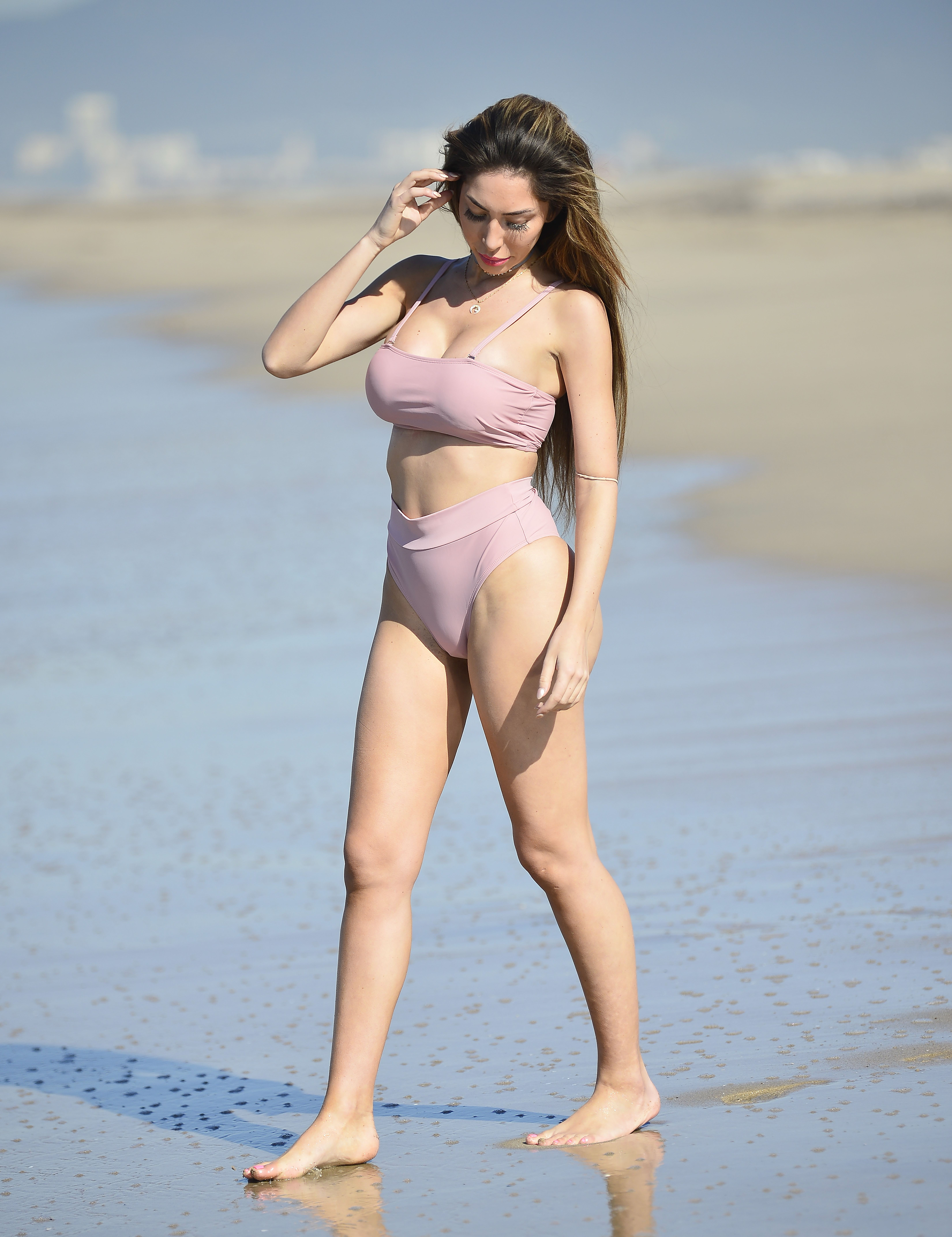Farrah Abraham shows off her incredible figure